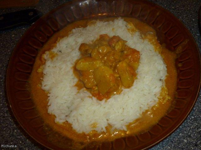Kurczak ubrany w bananowe curry