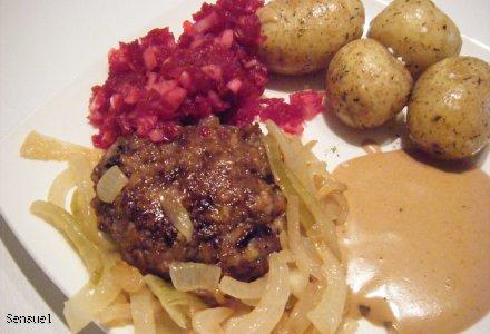 Bøf - kotlet mielony wołowowy z cebulą i sosem