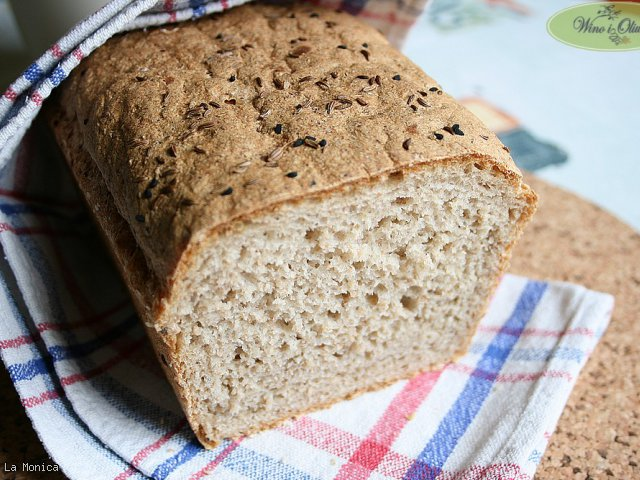 Chleb pszenno-żytni z otrębami