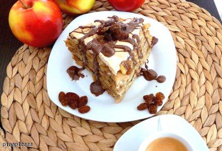 Naleśnikowy Tort Śniadaniowy z Bezą