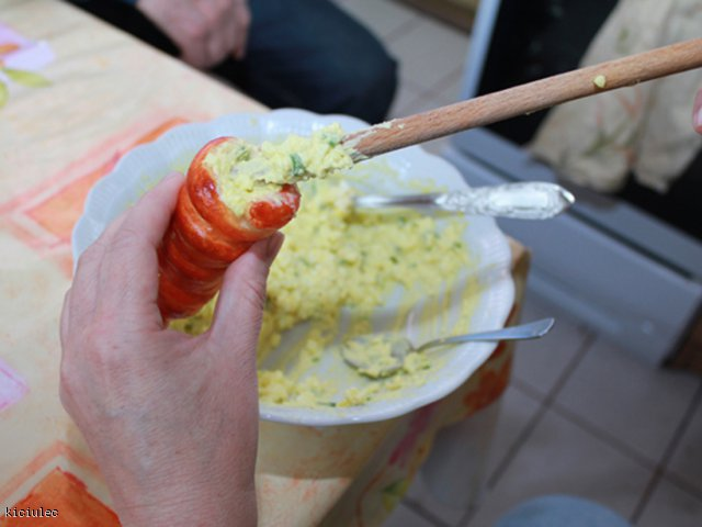wielkanocne faszerowane marchewki