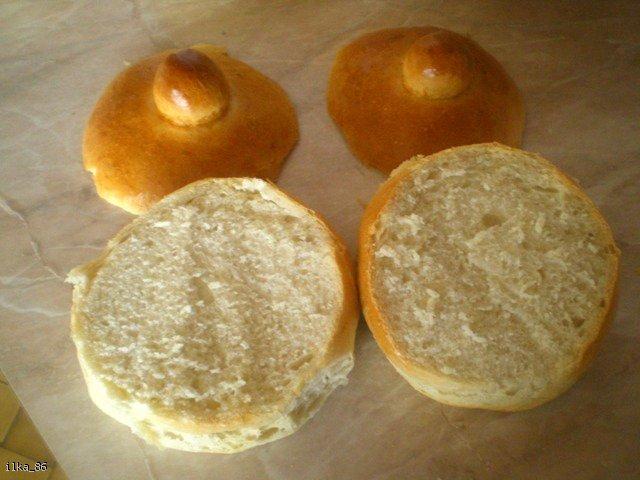 Wielkanocny żurek w chlebowych miseczkach
