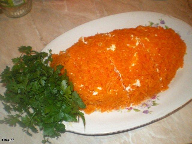 Sałatka w kształcie marchewki