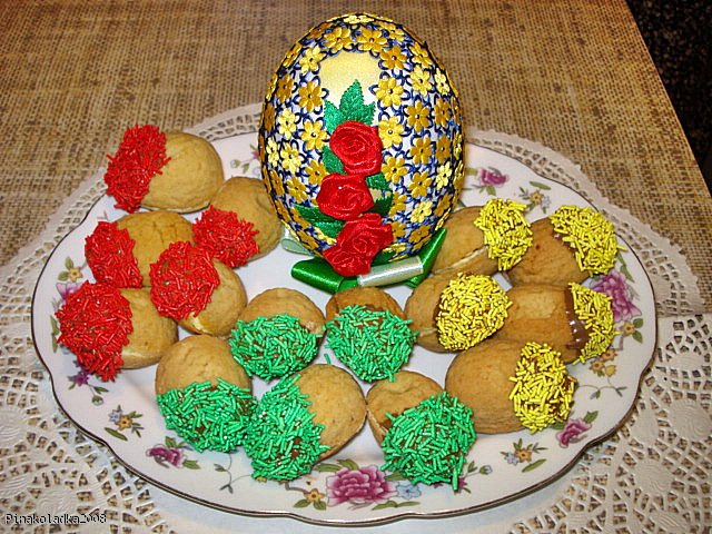 Wielkancone słodkie pisanki