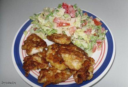 Placuszki z piersi kurczaka z salatka