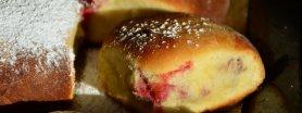 Buchty z truskawkami i twarogiem