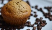 Kawowo-bananowe muffiny z chałwowym wnętrzem