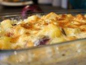 Łosoś zapiekany w śmietanie z ziemniakami