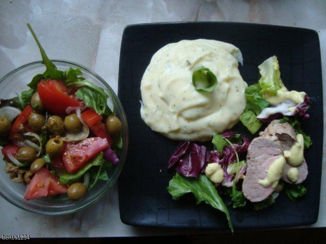 polędwiczki wieprzowe z sosem musztardowym i puree z pietruszką