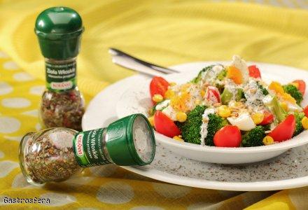 Brokułowa sałatka z ziołami włoskimi