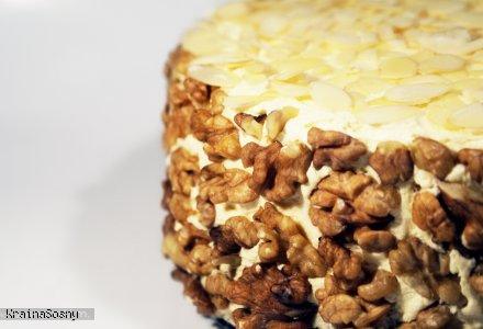 tort orzechowo migdałowy