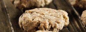 Razowe ciasteczka z gorzką czekoladą i płatkami owsianymi