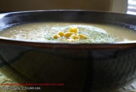Zupa krem z ziemniaków z chilli i kukurydzą