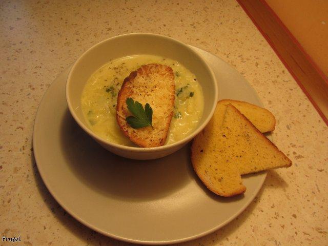 Zupa porowo-serowa