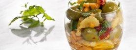 Egzotyczne hiszpańskie zielone oliwki
