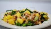 Sałatka z łososiem i mango