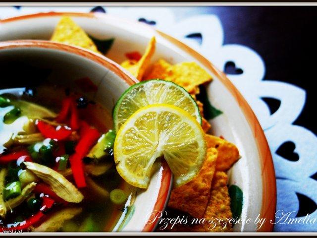 Oryginalna zupa z awokado - idealna na walentynki!
