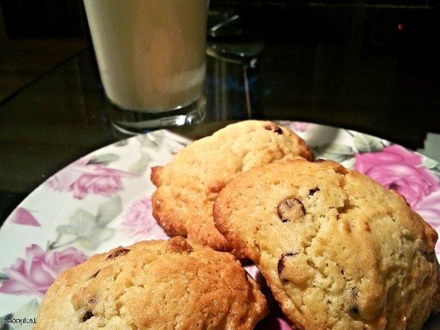 Ciasteczka maślane z kawałkami czekolady w 20 minut! Kruche i miękkie jednocześnie!