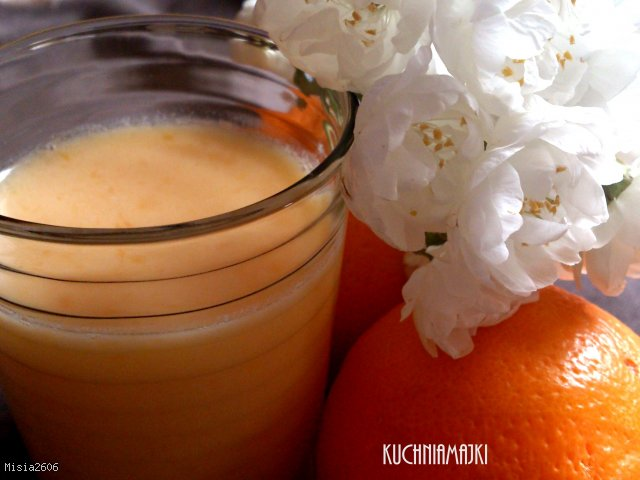 Koktajl pomarańczowy z miodem - szybki i łatwy