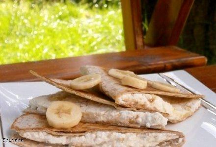 Quesadilla z bananowym twarożkiem