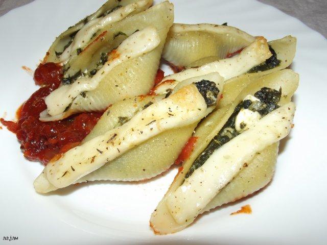 Conchiglioni - muszle nadziewane szpinakiem