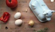 Jajka na pomidorach i papryce