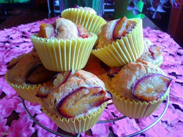 Pełnoziarniste muffiny ze śliwką