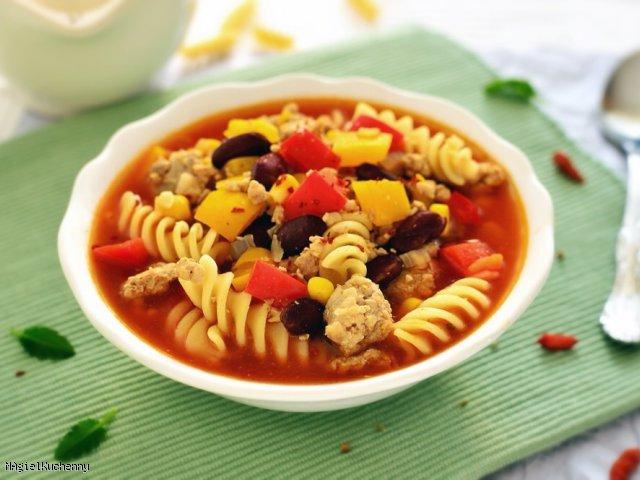Rozgrzewająca zupa w stylu meksykańskim