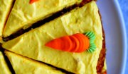 ciasto marchewkowe z imbirem i kremem dyniowym