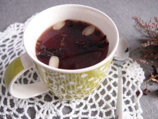 Waniliowa herbatka z hibiskusem, migdałami i goździkami