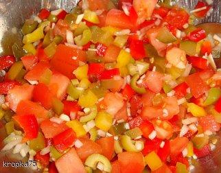 Surówka warzywna z sosem winegret