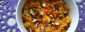 Kuskus z tofu, curry i rodzynkami