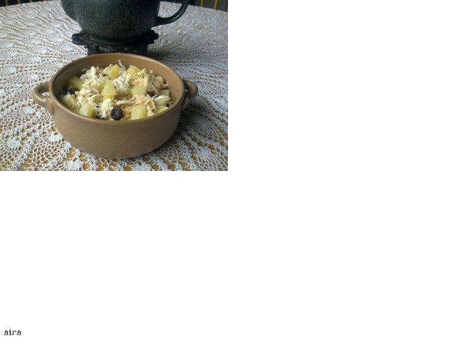 Surówka z selera z żurawiną i ananasem