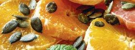 Uroda Życia poleca: niebiańska sałatka z cytrusów z syropem imbirowym i prażonymi pestkami dyni