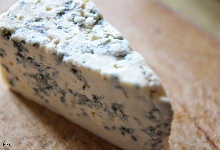 Pasta z groszku i niebieskiego sera pleśniowego