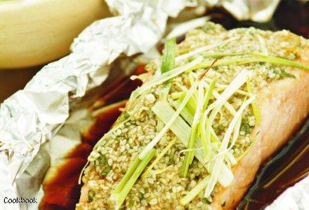 Czatni z sezamowym łososiem i ostrym sosem