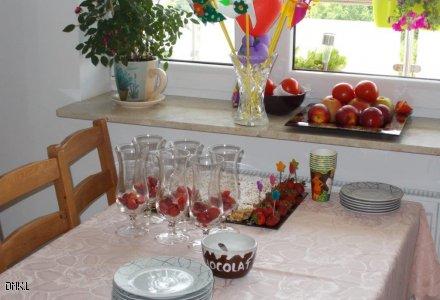 Sto lat. jabłecznik i truskawki w roli głównej