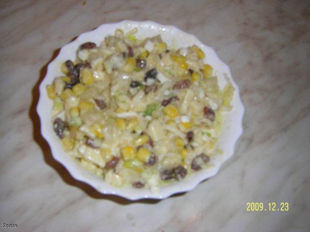 Sałatka z selera z owocową nutą