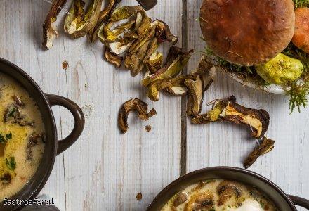 Zupa grzybowa zabielana z ziemniakami Przepis poleca Robert Muzyczka, Szef Kuchni Dworu Korona Karkonoszy