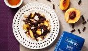 Mini świderki czekoladowe z musem mascarpone, nektarynką i syropem klonowym