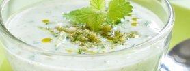 Chłodnik ogórkowo-miętowy z grzankami