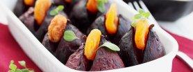 Pieczone buraki nadziewane suszonymi morelami w tymiankowym sosie