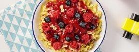 Makaron kokardki z owocami