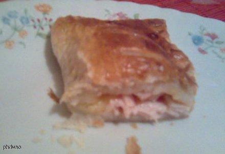 Ciasto francuskie z szynką i serem