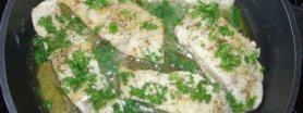 Ryba duszona w sosie cytrynowo-pietruszkowym