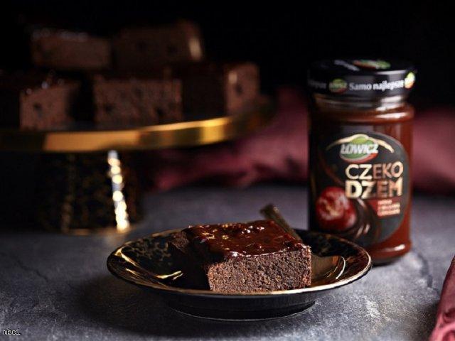 Brownie z kokosową nutą i czekodżemem Łowicz
