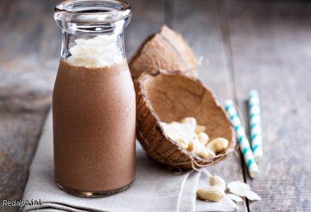 Shake mleczno-kawowy z kokosową nutą
