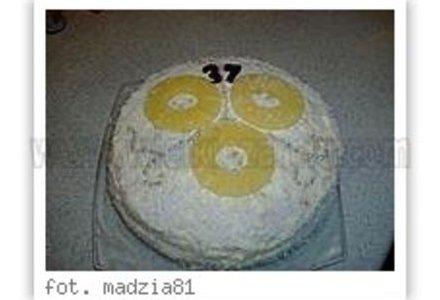 Tort kokosowo-ananasowy z białą czekoladą