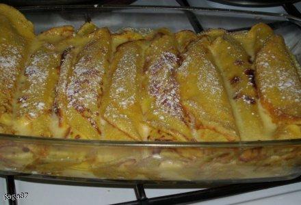 Naleśniki z sosem waniliowym