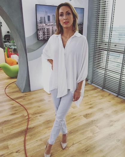 Anna Kalczyńska w dłuższych włosach
